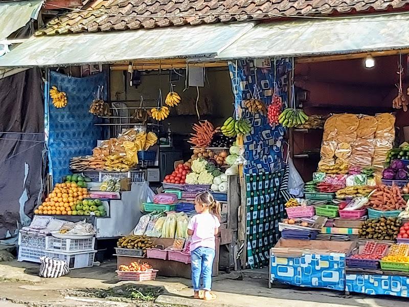 Ubud-Lokal-Market-Bali-Tour-Service