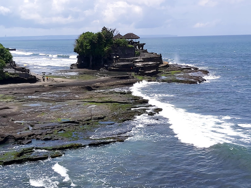 Tanah-Lot-Temple-Bali-Tour-Service