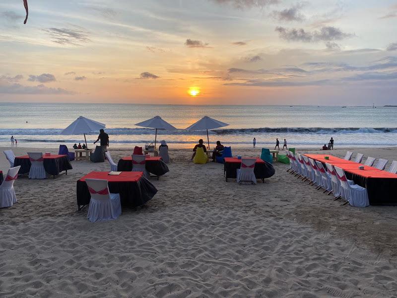 Jinbaran-Seafood-Dinner-Bali-Tour-Service