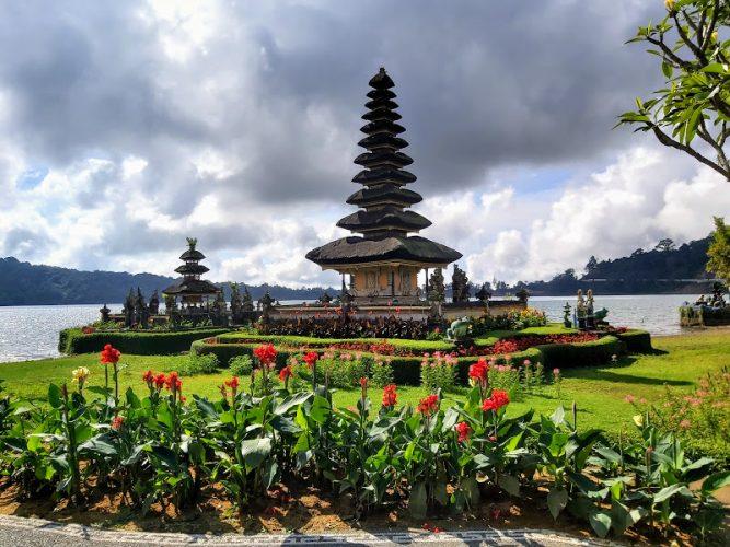 Ulun Danu Beratan Temple - Bali Tour Service