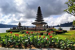 Bali Tour Package Ulun Danu Beratan Temple