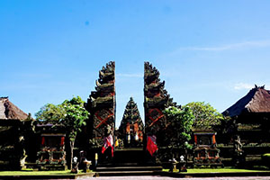 Batuan Temple is Beaitiful and Best Destination in Bali - Bali Tour Package