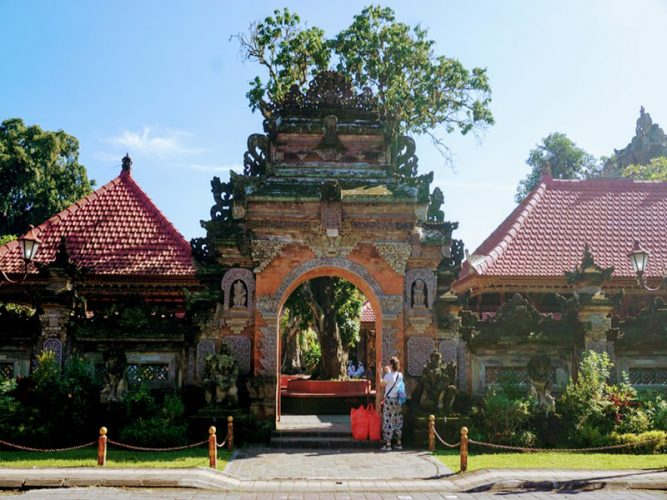 Ubud Palace - Bali Tour Service