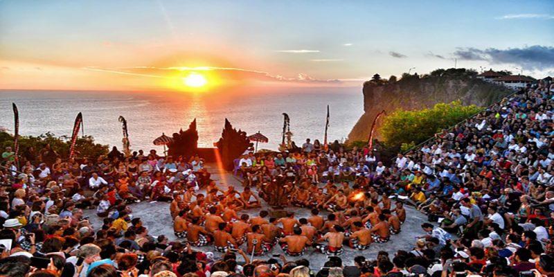 Kecak Dance Performance at Uluwatu Temple- Bali Tour Service