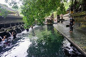 Bali Tour Service - Tirta Empul Temple