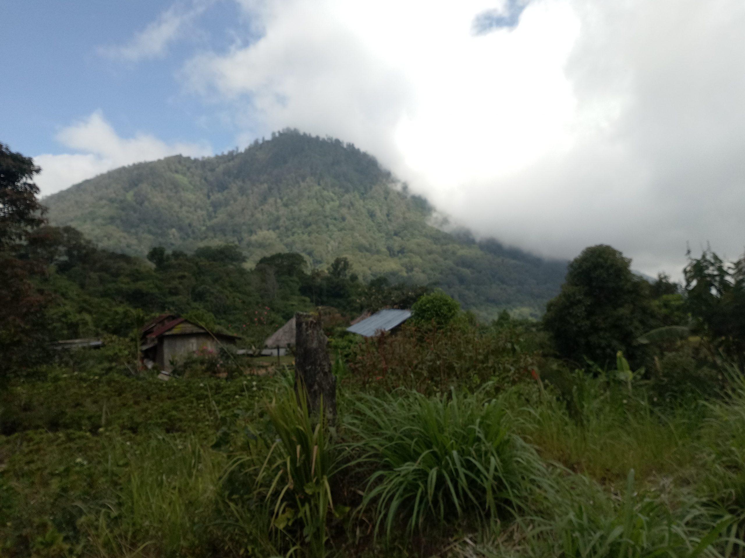Climbing Mount Sanghyang - Bali Tour Package