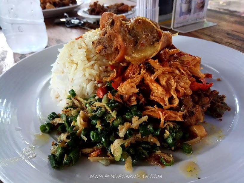 Nasi Ayam Kadewatan - Bali Tour Package