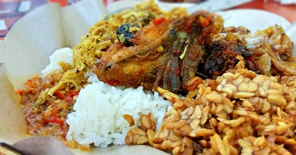 Nasi Pedas Bu Andika - Bali Tour Package