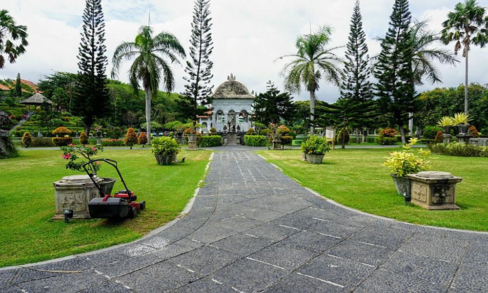 Taman Ujung Water Palace - Bali Tour Package